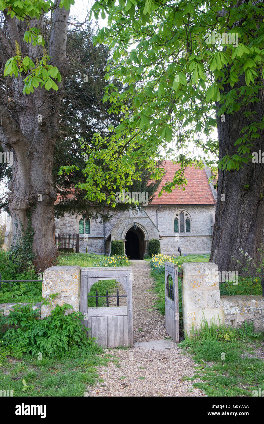 St Peters church gate, Little Wittenham, South Oxfordshire, England - Stock Image