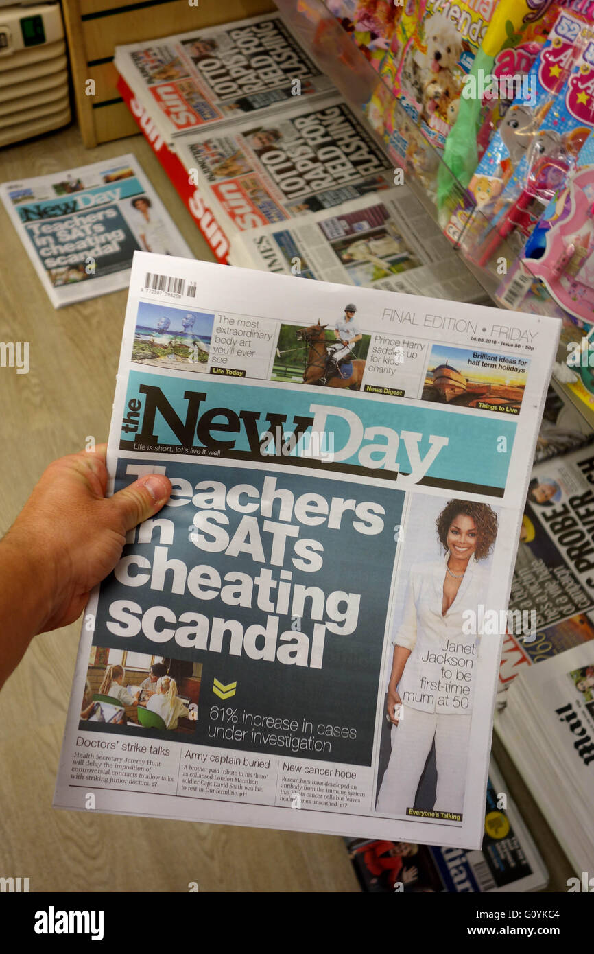 """Final Edition of """"The New Day"""" newspaper Stock Photo"""