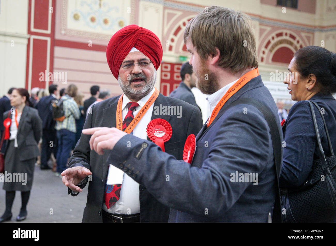 Alexandra Palace, London 6 May 2016 - Candidates, agents and observers at the count. The counting of the ballot - Stock Image