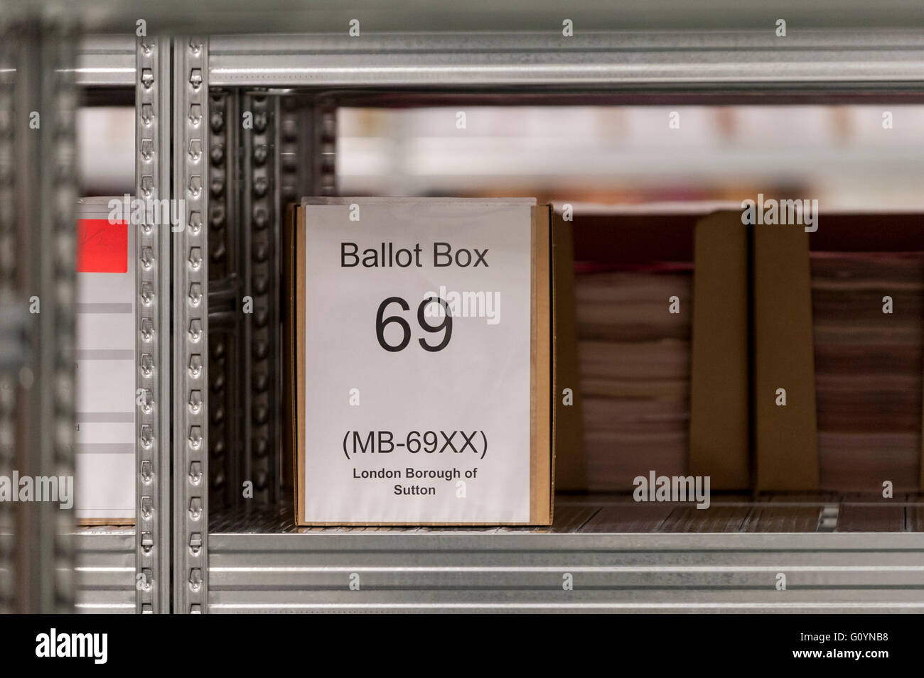 London, UK.  6 May 2016. A ballot box awaiting processing.  Votes for the London Mayoral elections and London Assembly - Stock Image