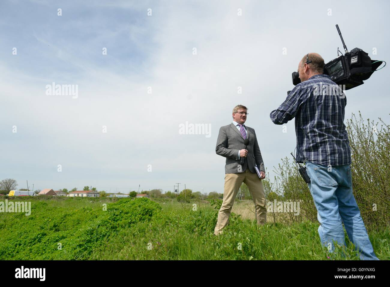 Ilpen, Somerset, UK. 6th May, 2016. Police carry out major search of the crime scene in Ilpen, Police Dogs, Search - Stock Image