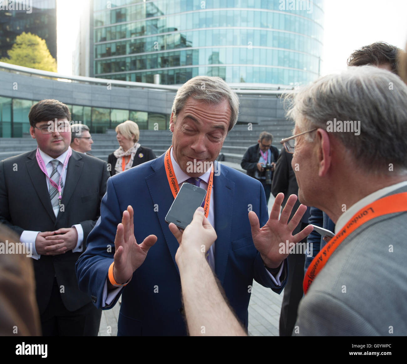 City Hall, London, UK. 6th May, 2016. Nigel Farage and UKIP supporters arrive at City Hall for the Declaration of - Stock Image