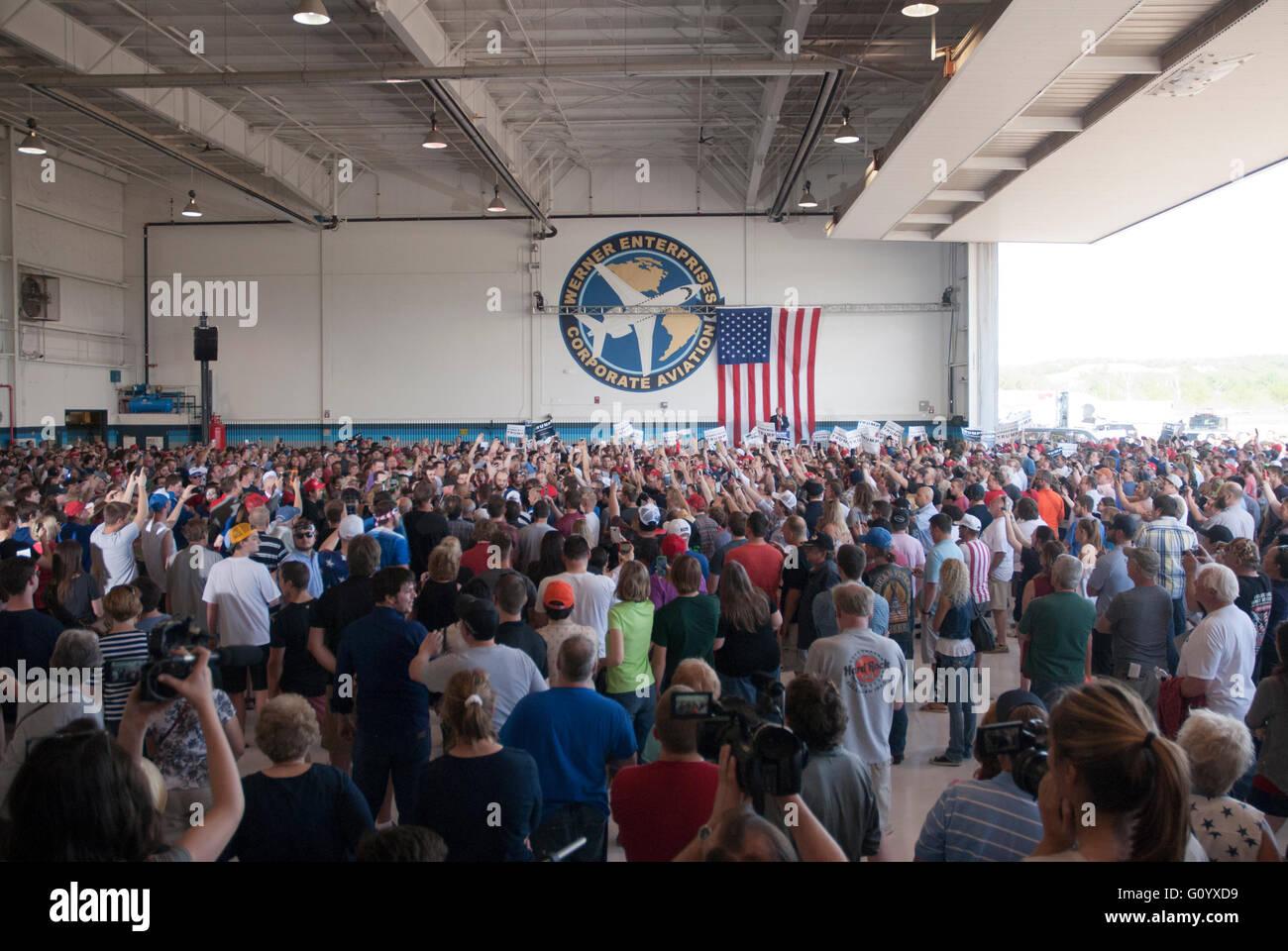Omaha, Nebraska, USA, 6th May, 2016 Republican Presidential candidate Donald Trump arrives in Omaha Nebraska today - Stock Image