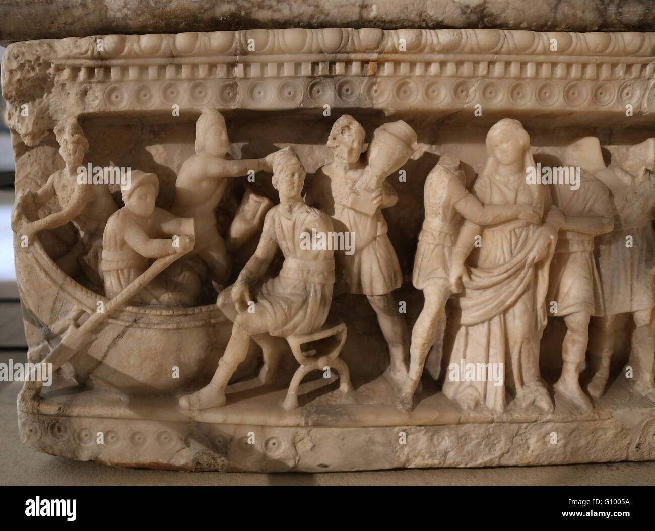 Etrurian art. Alabaster funerary urn. Abduction of Helen on the ship of the Trojan prince, Paris. (War Troy).  2nd - Stock Image