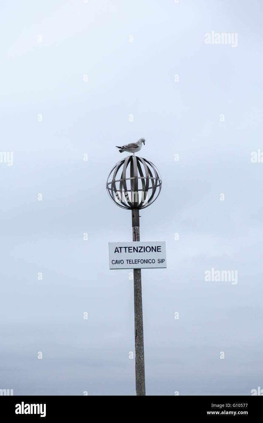 Vorsicht Telefonkabel, Venedig, Italien - Stock Image