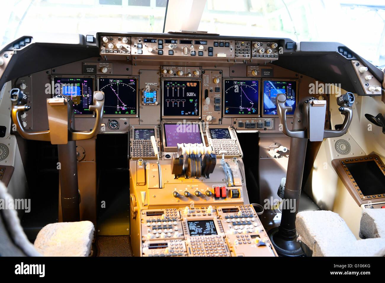 Airplane Plane Aircraft Cockpit Boeing B 747 800 F