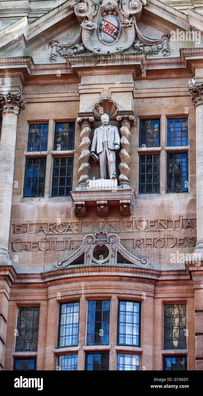 The statue of Cecil John Rhodes above the main door to Oriel College on High Street, Oxford  Featuring: Cecil John - Stock Image