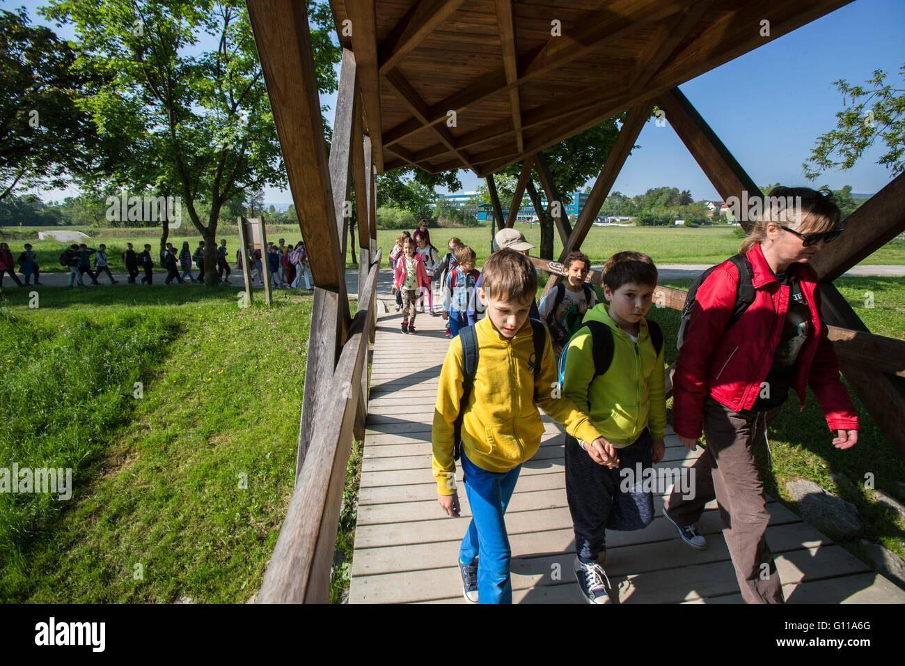 Ljubljana, Slovenia. 6th May, 2016. Students cross a bridge during the 60th annual March Along The Wire in Ljubljana, - Stock Image