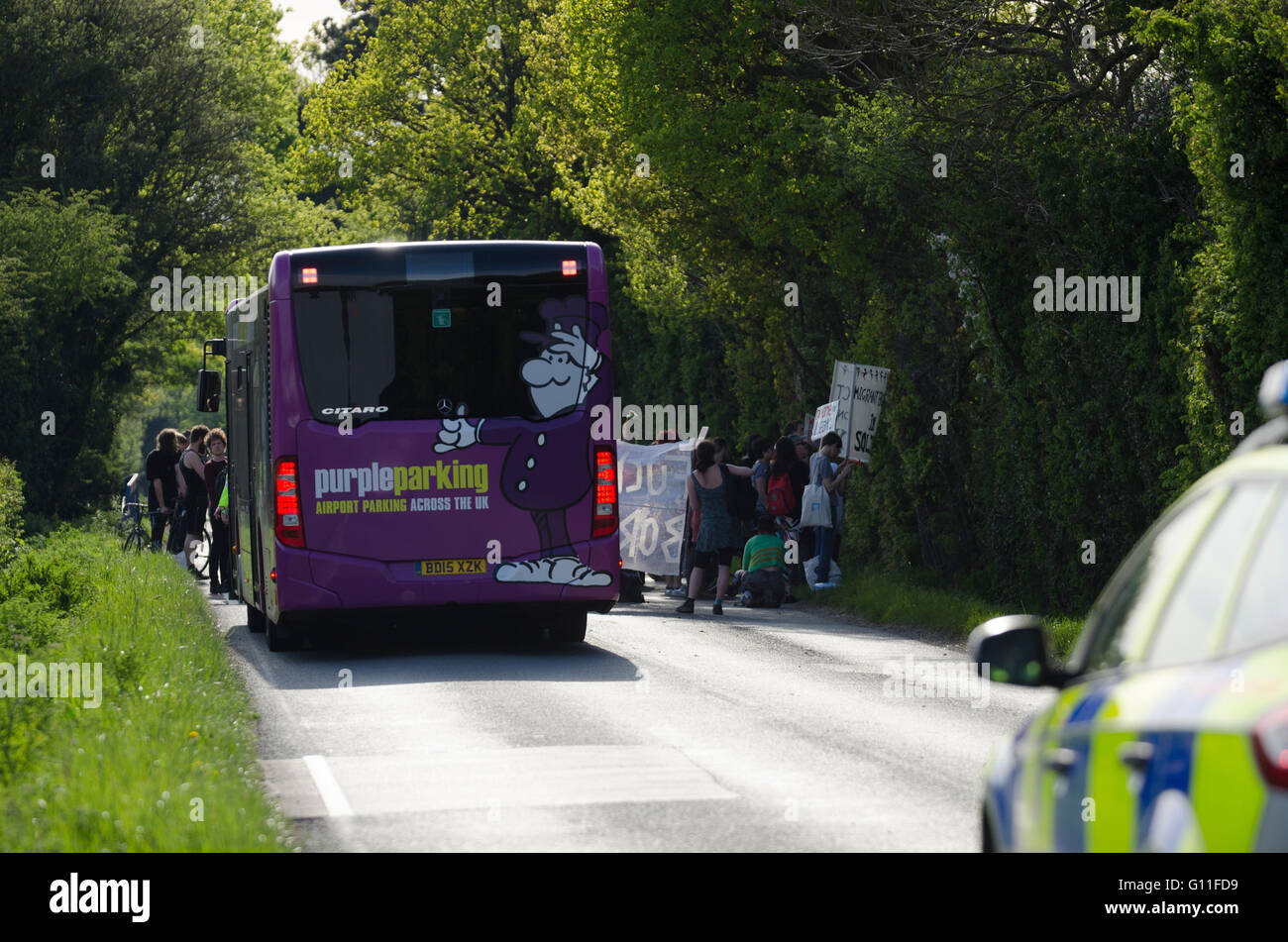 London Gatwick, UK. 7th May 2016. International Day of Action Against Detention. Demonstrations outside Brook House - Stock Image