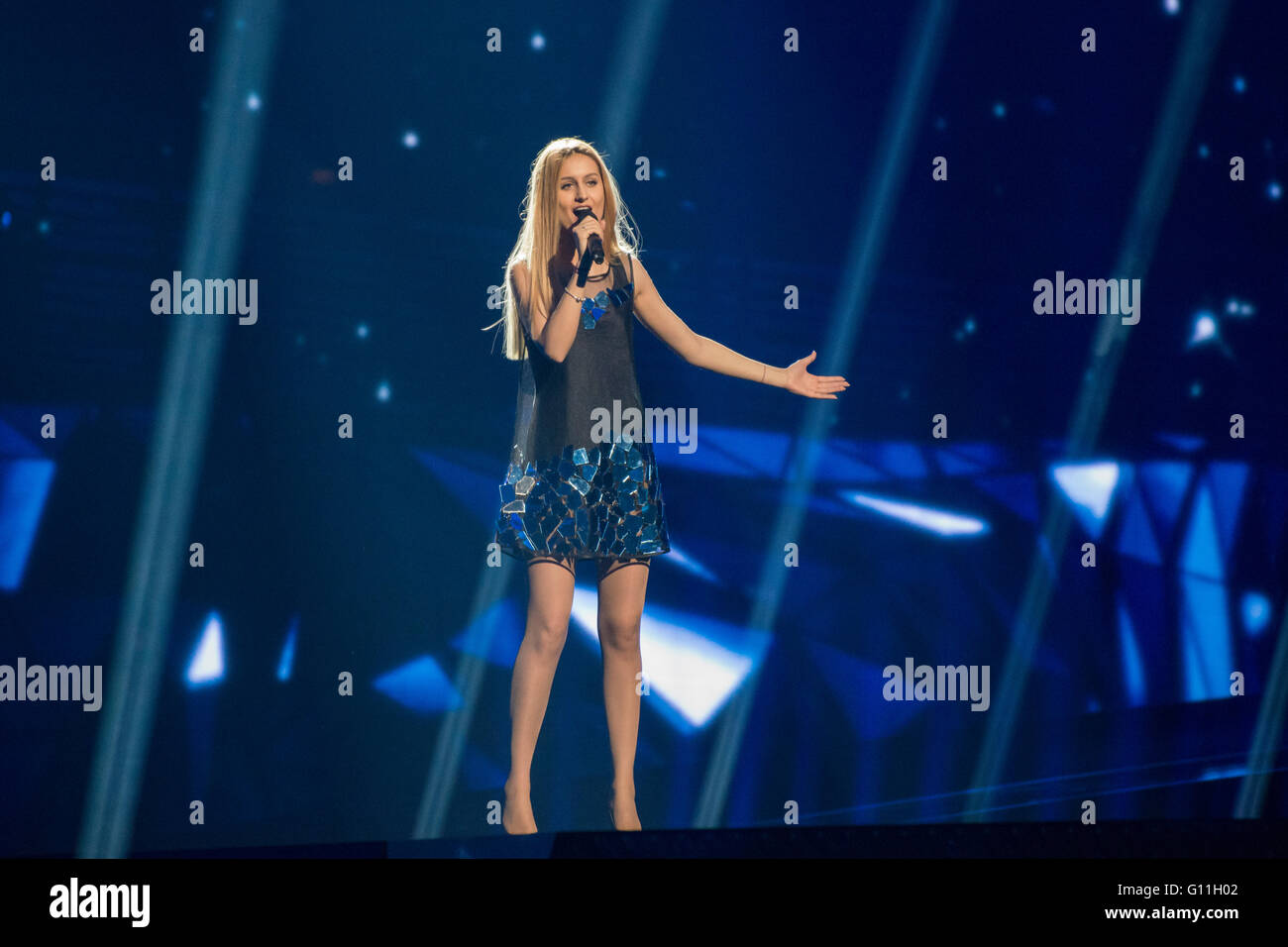 Stockholm, Sweden. 6th May 2016. Singer Lidia Isac from Moldova is rehearsing her song 'Falling Stars' for the first Stock Photo