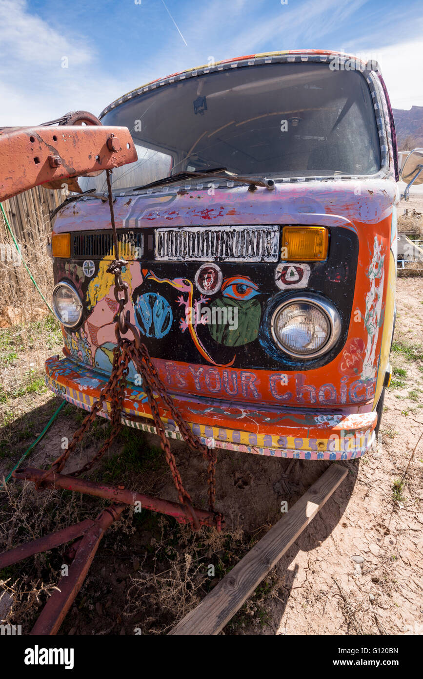 Painted VW bus at Tom Tom's Volkswagen Museum in Moab, Utah. - Stock Image