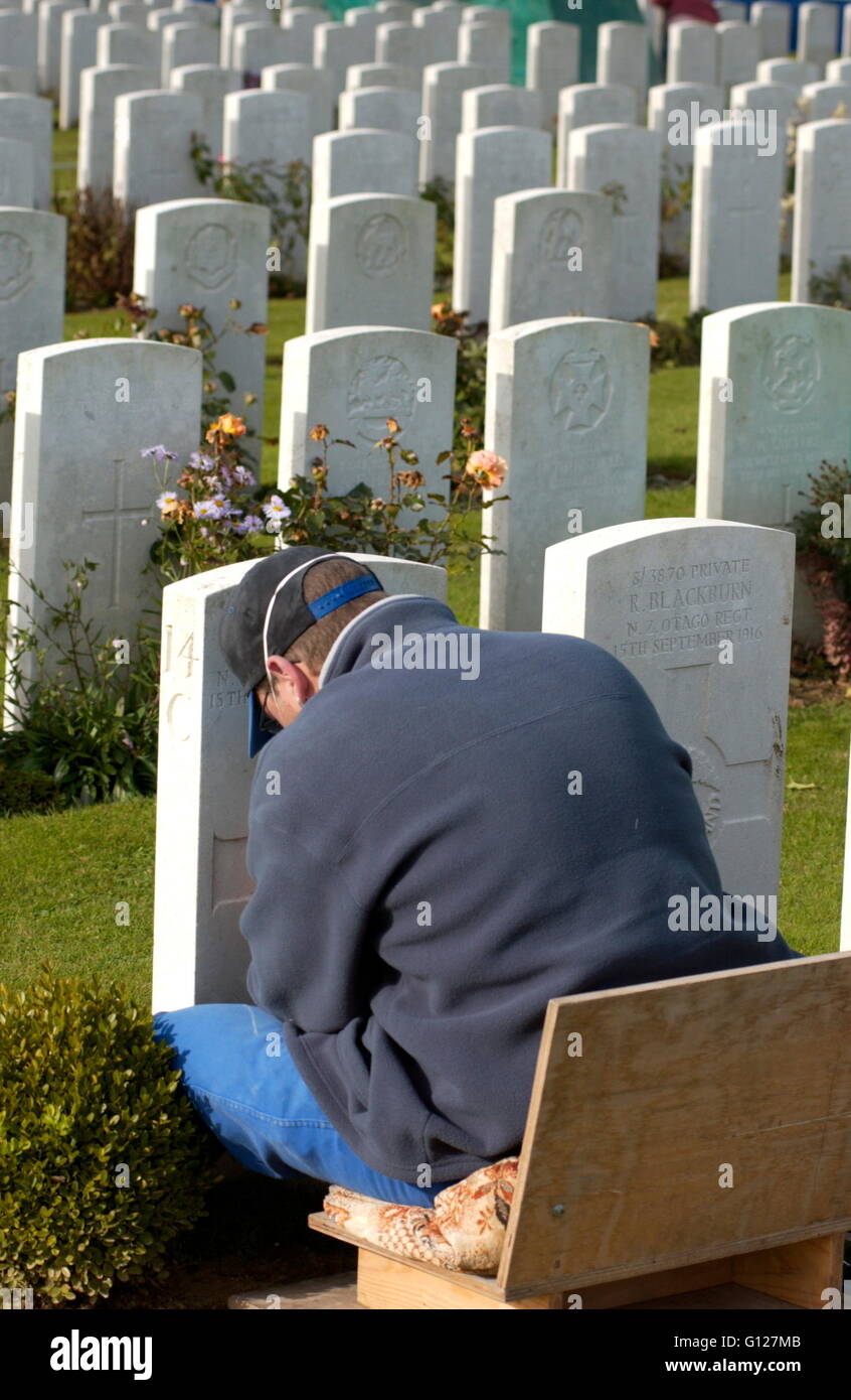 AJAX NEWS PHOTOS - 2005 - FRANCE - SOMME - PICARDY - COMMONWEALTH WAR GRAVE COMMISSION PERSONNEL AT WORK IN CATERPILLAR Stock Photo