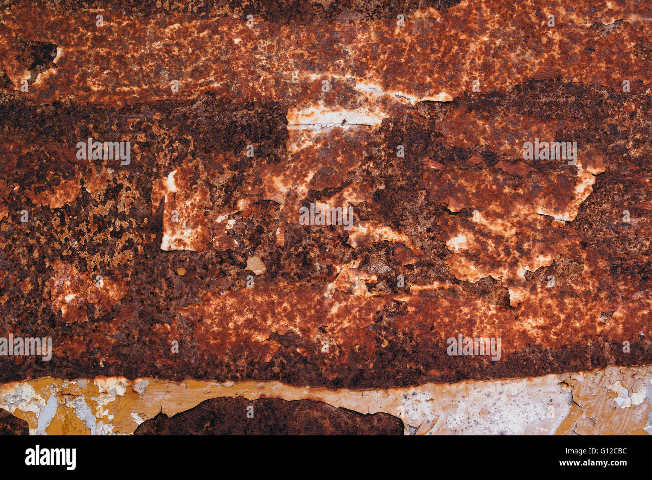 Oxidized metal plate texture, red rusty background - Stock Image