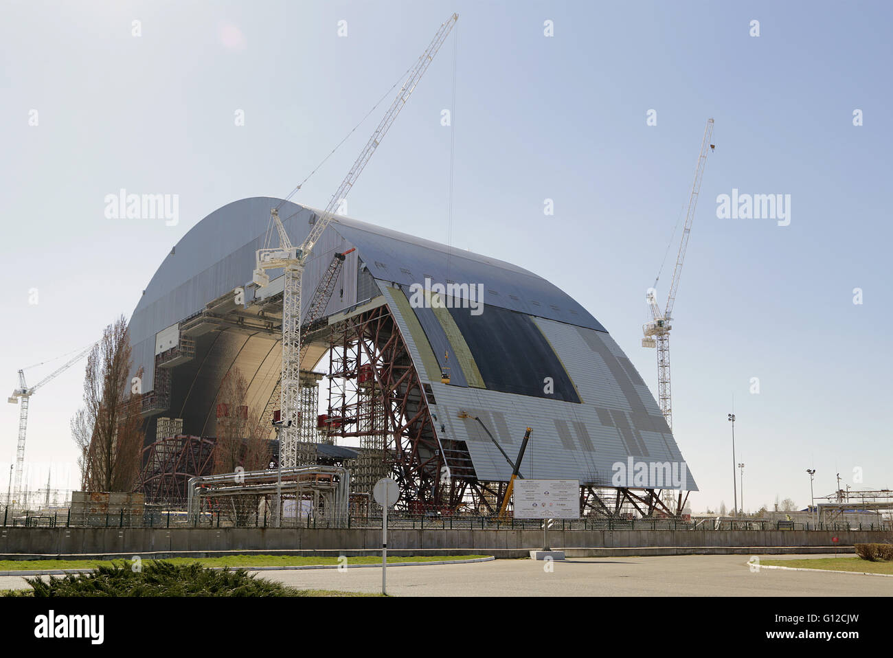 Construction of new Sarcophagus - Status 29th March 2014 - Stock Image