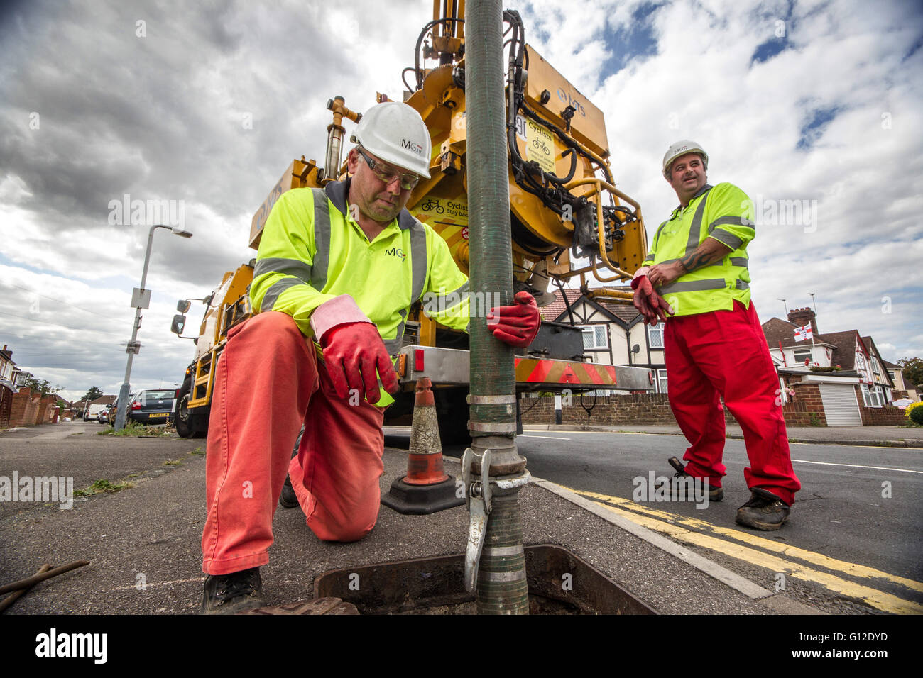 Thames Water Workers servicing network - Stock Image