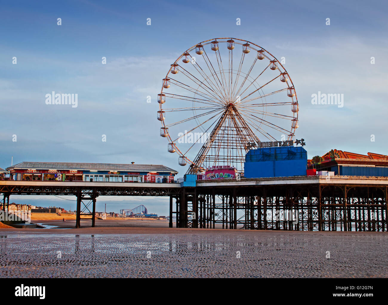 The big wheel on Blackpool's Central Pier - Stock Image