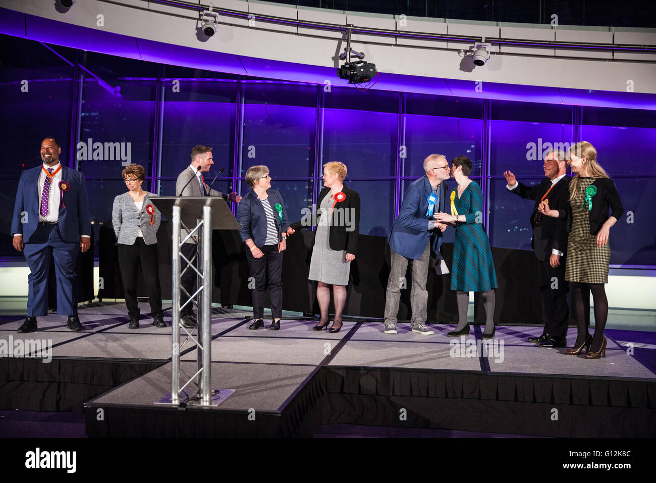 London, UK. 7th May, 2016. Successful London Assembly candidates congratulate each other at City Hall. - Stock Image