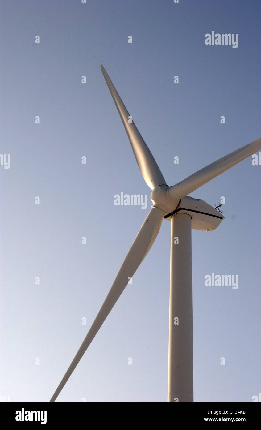 AJAXNETPHOTO - JANUARY 2009. FRANCE. - WIND TURBINE GENERATES ELECTRICTY FOR LOCAL VILLAGES NEAR COAST SOUTH OF - Stock Image