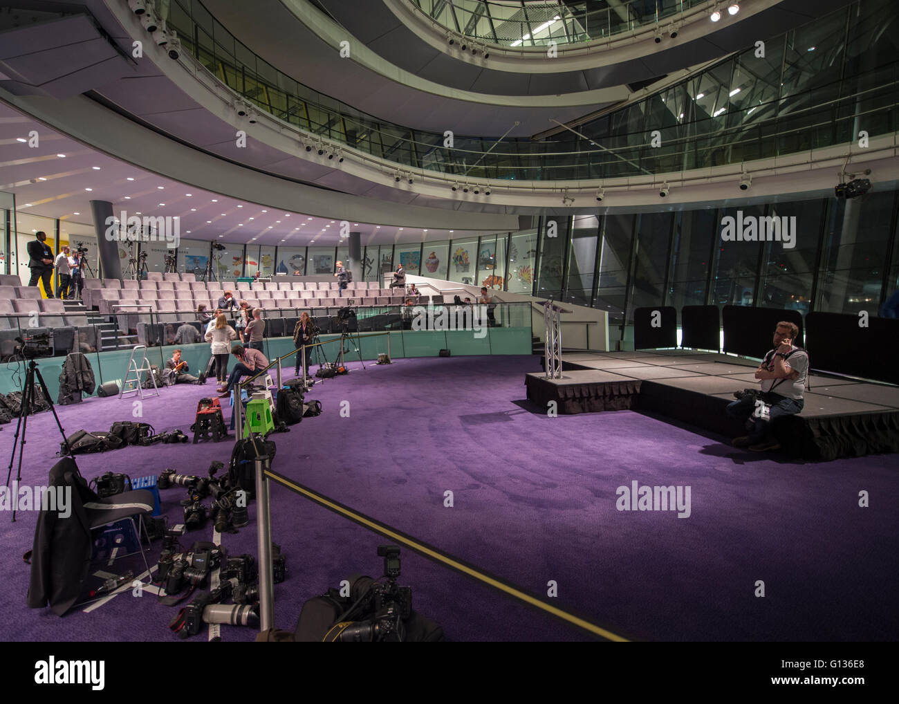 Photographers and Media await the outcome of the London Mayor election in City Hall with a delayed result announcement. - Stock Image