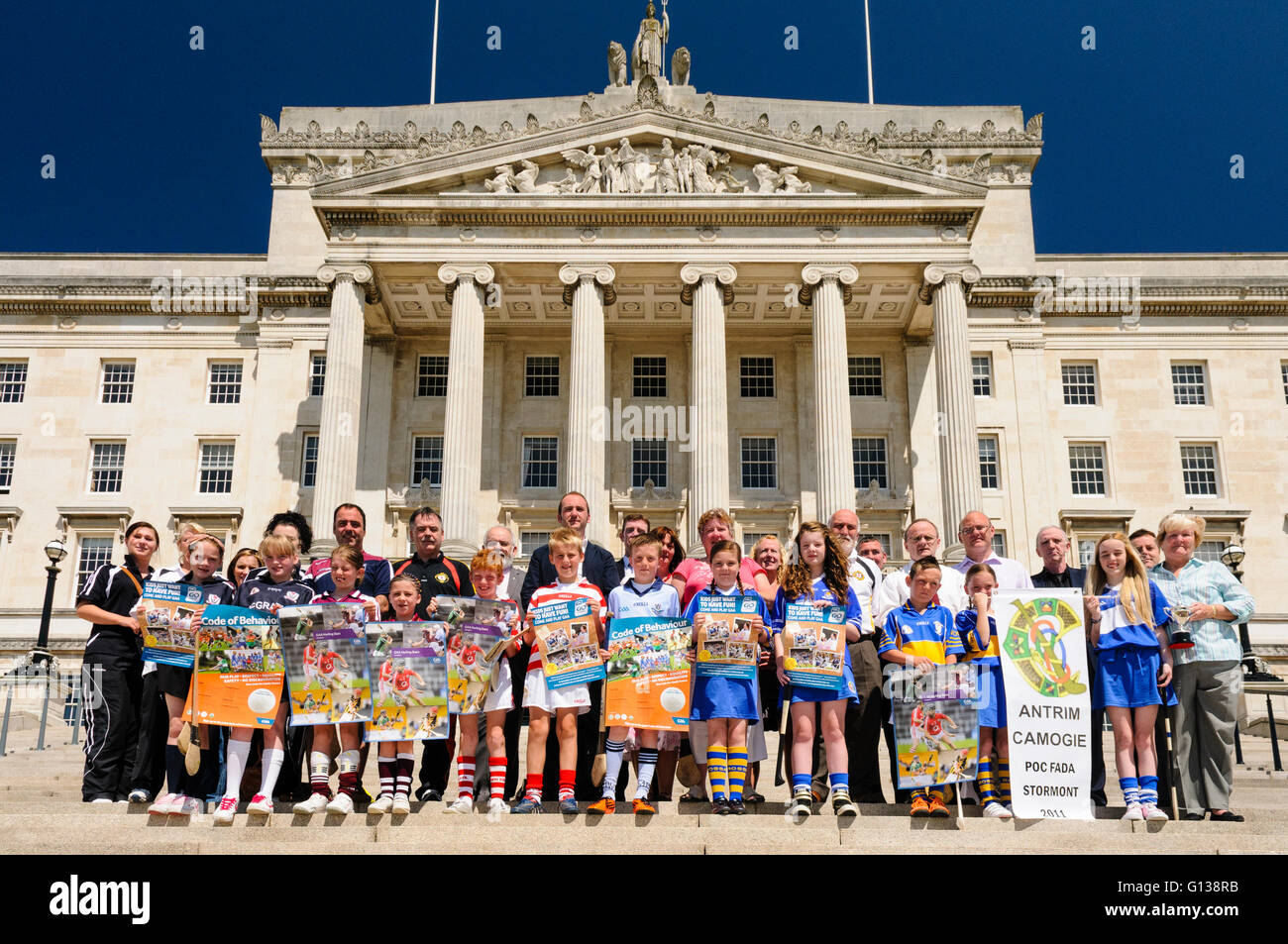 Antrim Camogie team help Sinn Fein launche the 2011 Poc ar an Cnoc at Stormont Parliament Buildings - Stock Image