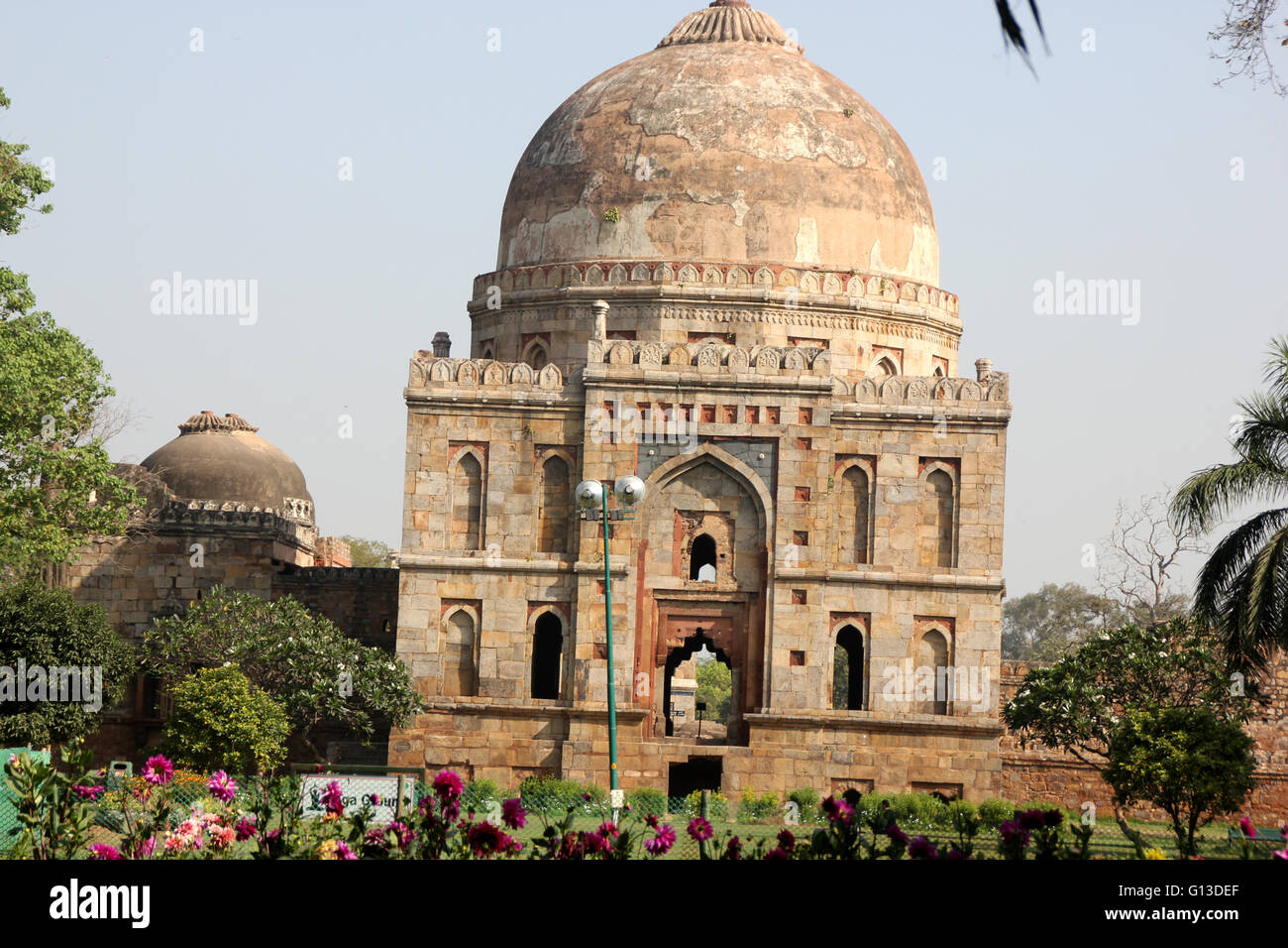 Bada Gumbad Mosque, Lodhi Gardens, Delhi, big dome shaped mosque constructed in 1494 during Lodhi dynasty - Stock Image