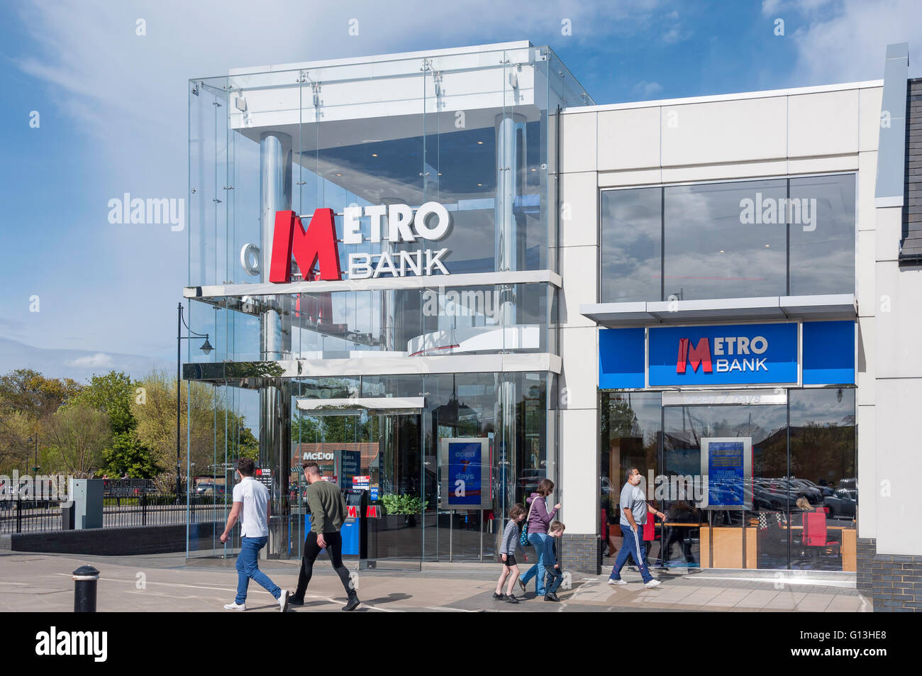 Metro Bank, Two Rivers Shopping Centre, Staines-upon-Thames, Surrey, England, United Kingdom - Stock Image