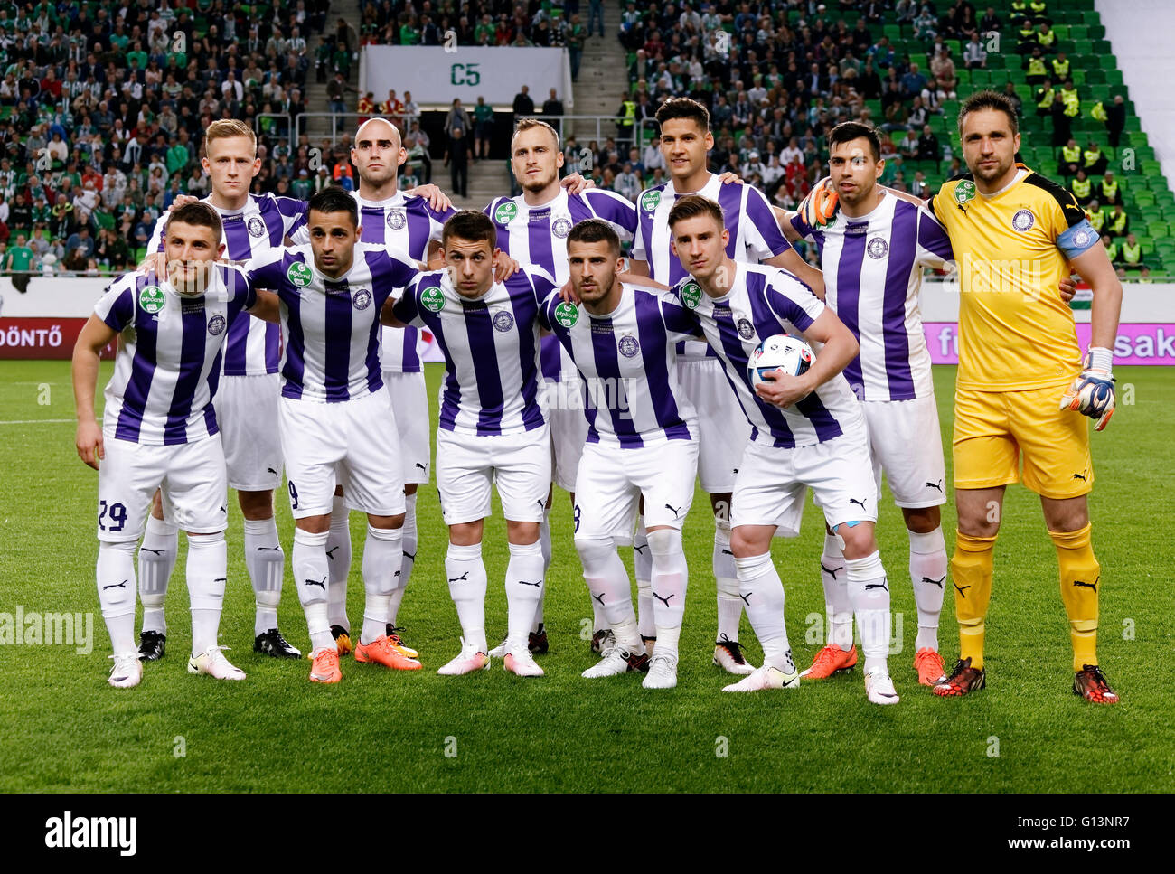 BUDAPEST, HUNGARY - MAY 7, 2016: The team of Ujpest FC