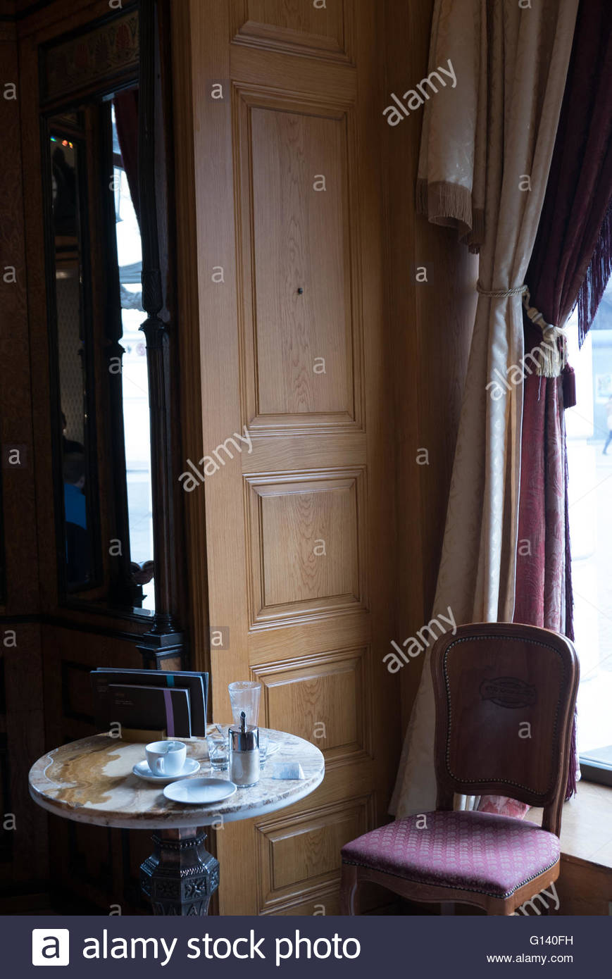 A table at historic Café Gerbeaud, Budapest - Stock Image
