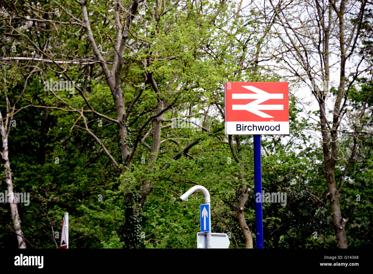 Birchwood, Warrington, Cheshire, UK 8th May, 2016. An incident at Birchwood rail station has closed the line between - Stock Image