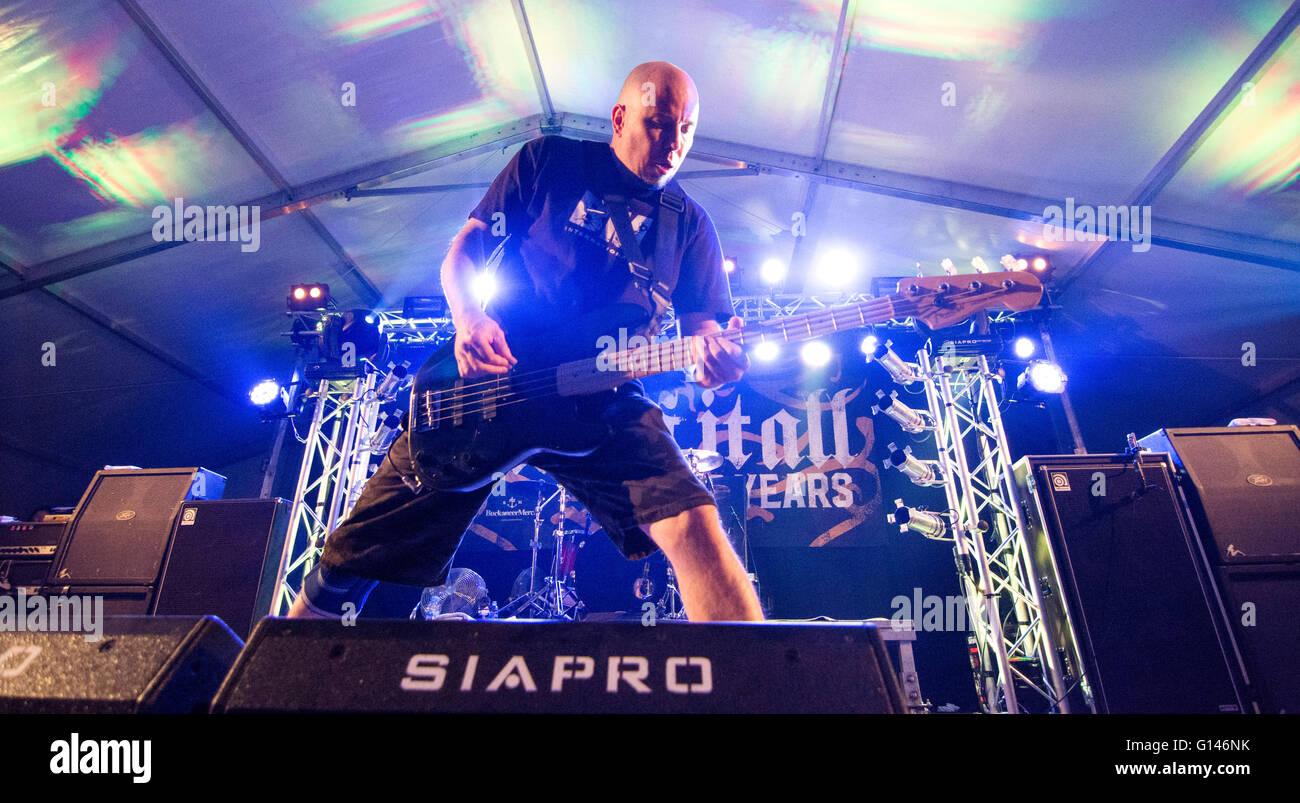 Oviedo, Spain. 7th May, 2016. Bassist Craig Setari plays during the concert of American hardcore punk band 'Sick - Stock Image
