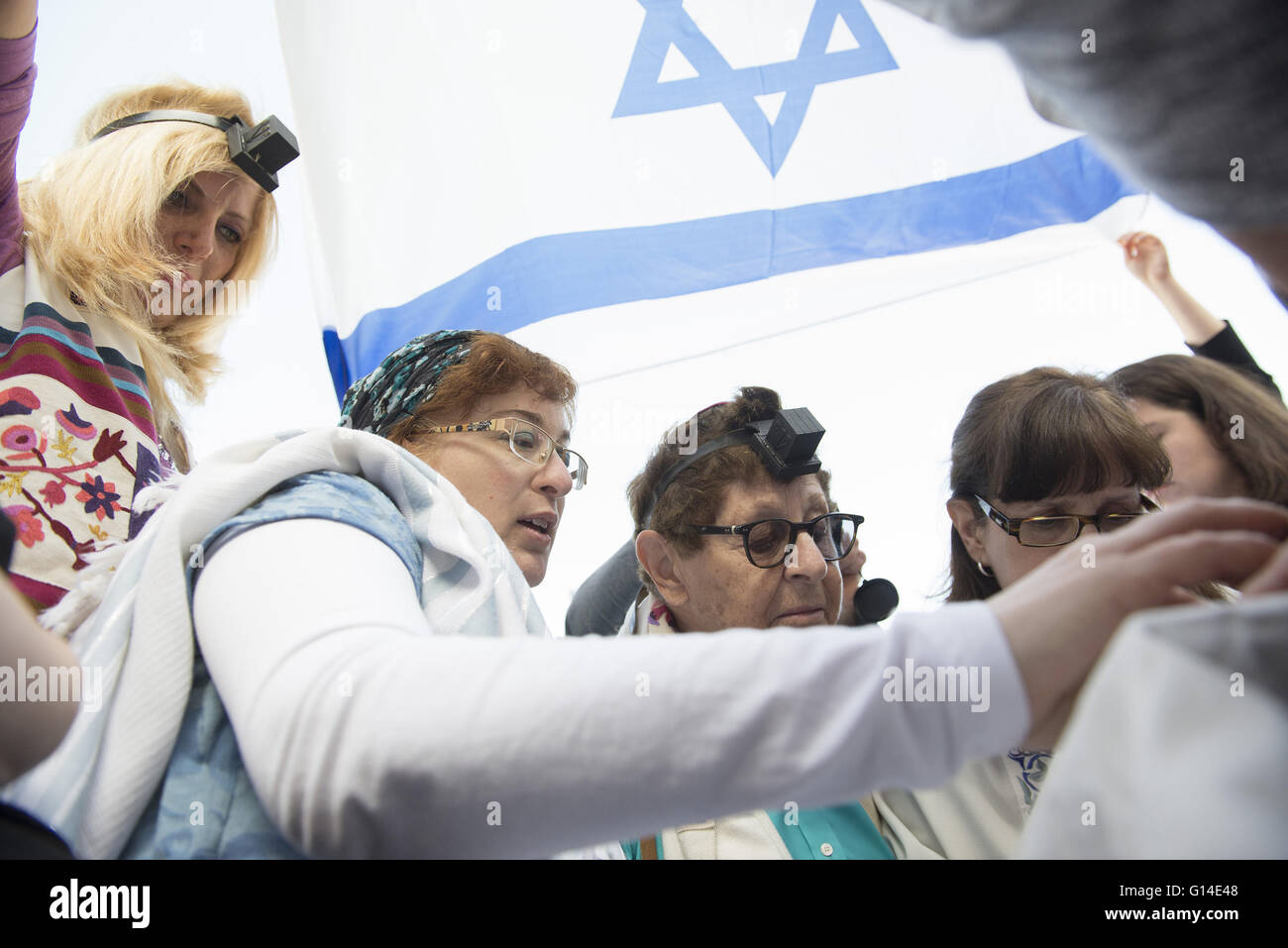 Jerusalem, Israel, Israel. 9th May, 2016. Women of the Wall celebrating ''Rosh Chodesh'' ceremony - Stock Image