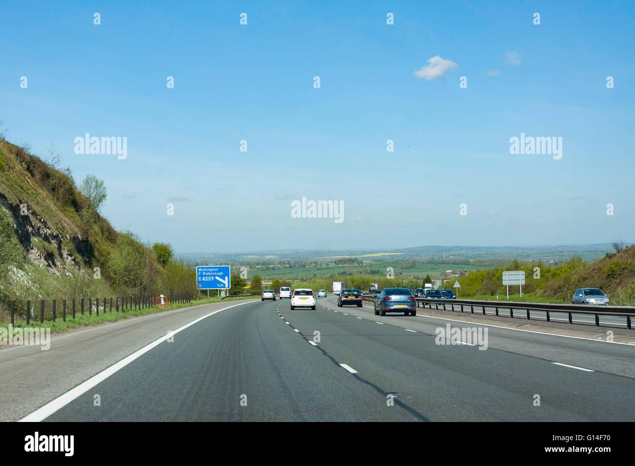M40 Motorway at Junction 6, Oxfordshire, England, United Kingdom - Stock Image