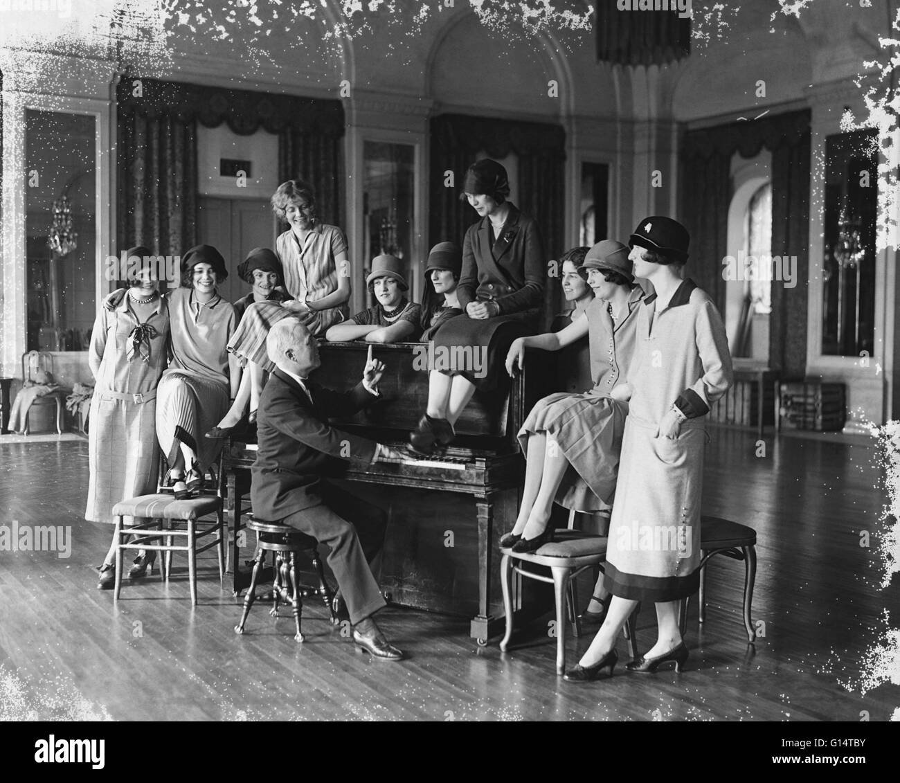 Washington debutantes under the direction of Donald McDonald rehearsing for the benefit musical comedy 'The - Stock Image
