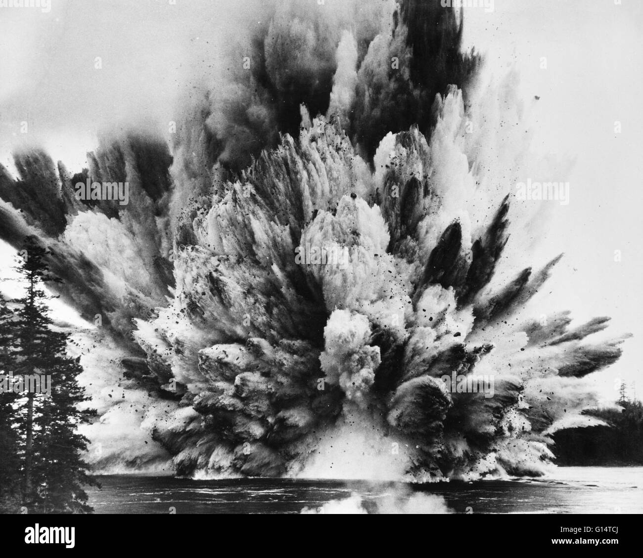 Ripple Rock explosion in Seymour Narrows, British Columbia, April 5th, 1958. The largest non-atomic blast set off Stock Photo