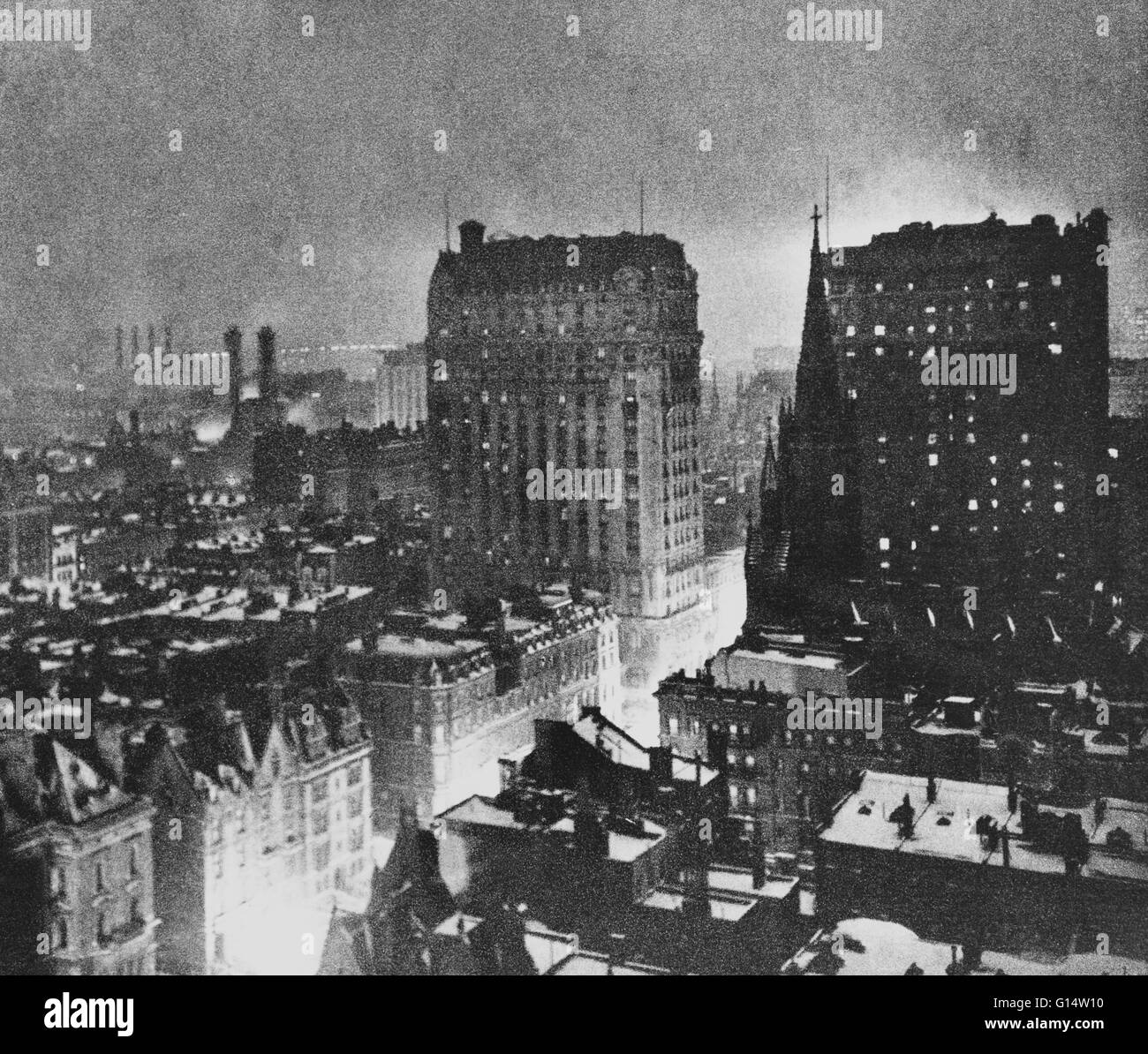 New York at night by Paul B. Haviland, from Camera Work, issue No 46, April 1914. Photogravure print. Haviland (1880 - Stock Image
