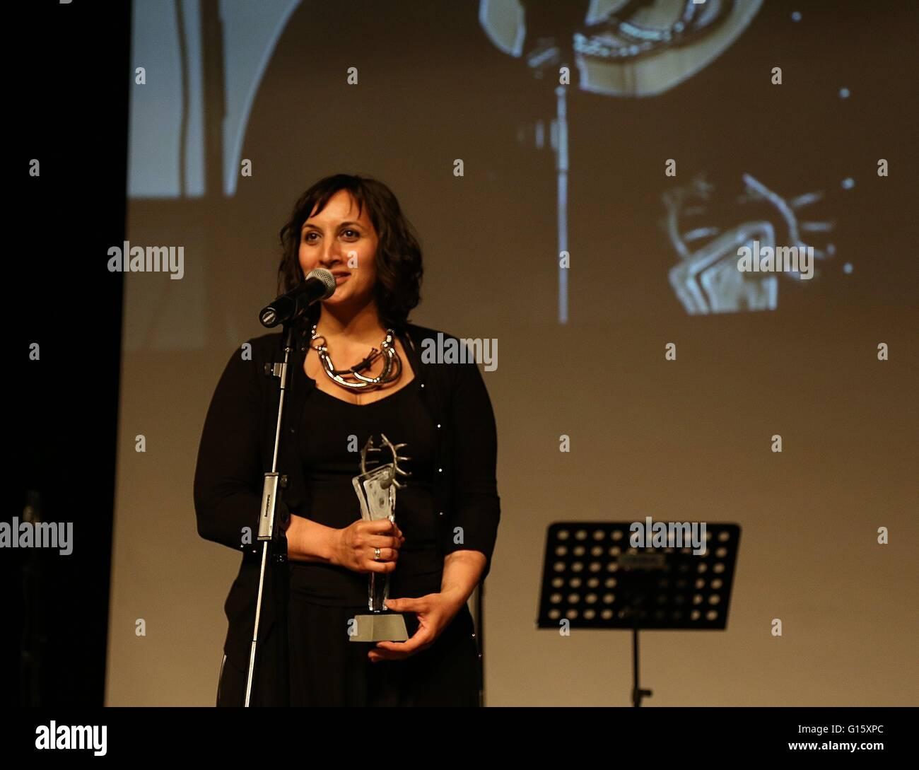 (160509) -- ANKARA, May 9, 2016 (Xinhua) -- Turkish director Senem Tuzen speaks as she wins the Best Director Award - Stock Image