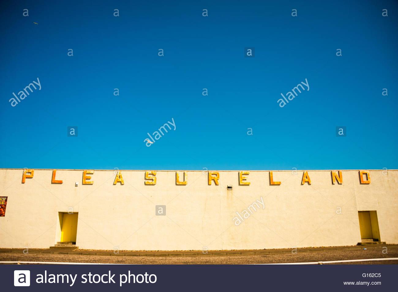 Arbroath, Scotland, UK. 9th May 2016. UK Weather, Sunshine in Scotland, Pleasureland Arbroath, Scotland was expected Stock Photo