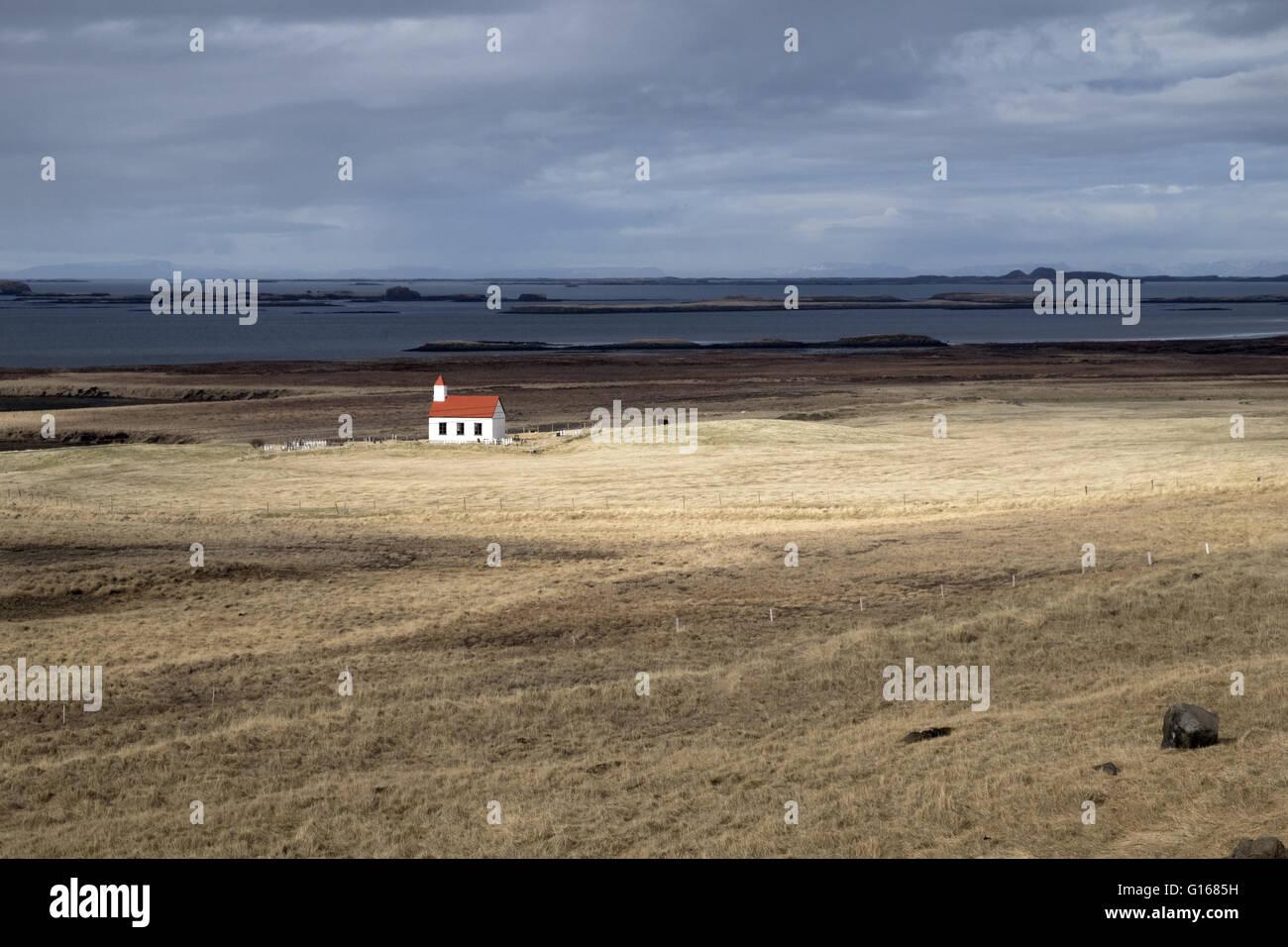 Een kerkje in het westen van Ijsland.A small church in the west of Iceland. 21st Apr, 2016. © Hans Van Rhoon/ZUMA - Stock Image