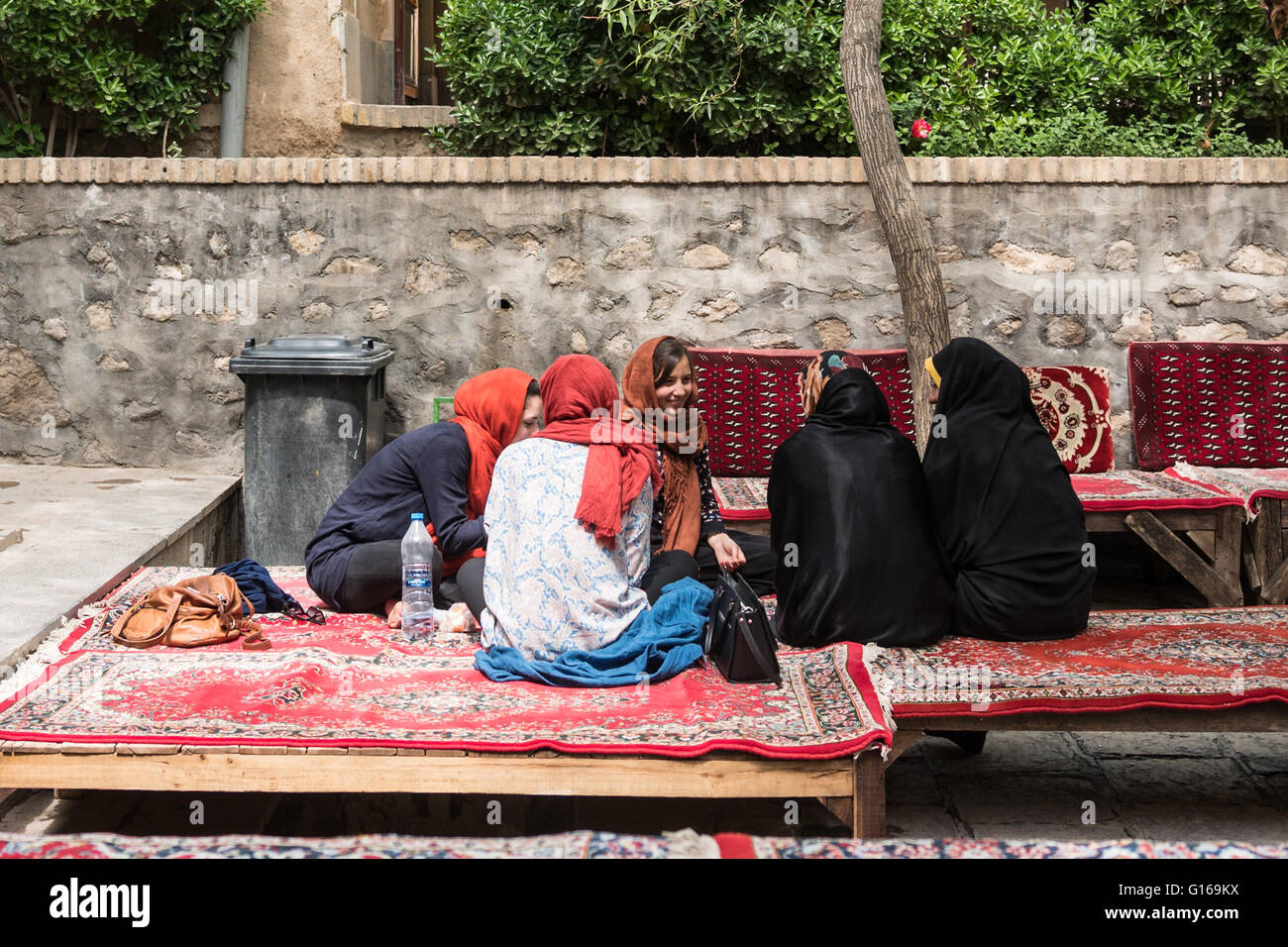 dating iranian women