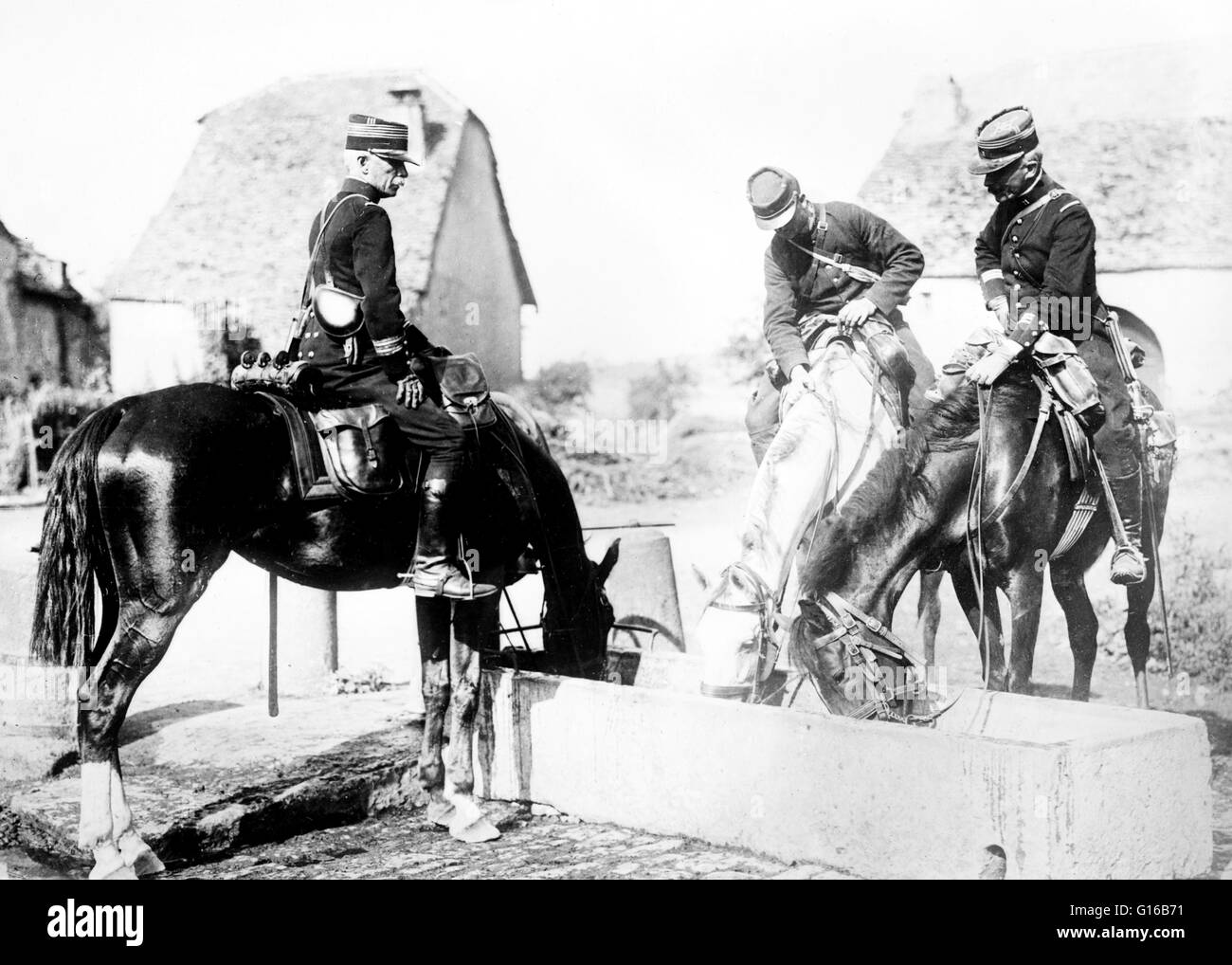 French officers and horses during World War I. The use of horses in World War I marked a transitional period in - Stock Image
