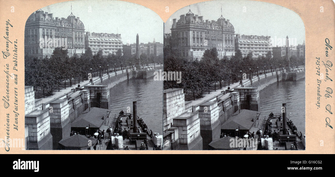 American Stereoscopic Company stereograph of the Hotel Cecil and the Hotel Savoy with Cleopatra's Needle and - Stock Image