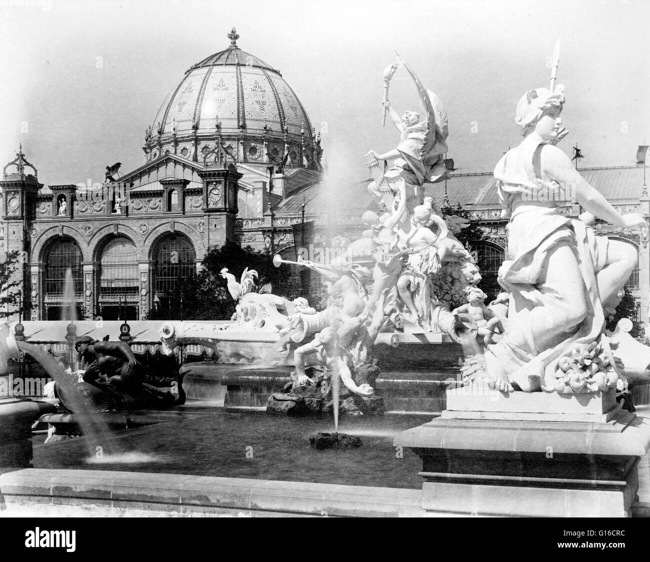 Entitled: 'Fountain Coutan and the Palace of Fine Arts, Paris Exposition, 1889.' The fountain was created - Stock Image
