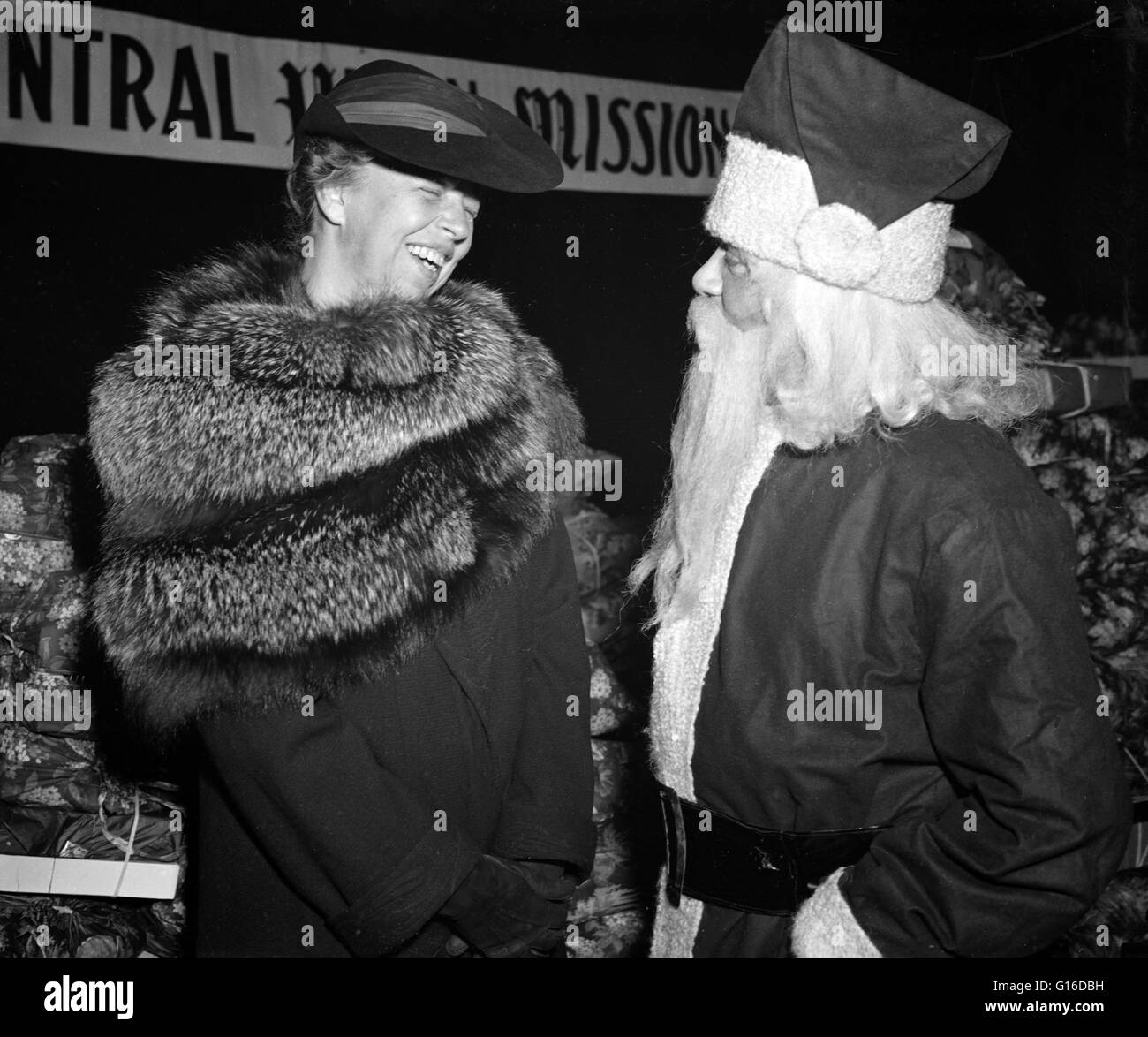 Entitled: 'Santa Claus and Mrs. Roosevelt at Central Union Mission's Christmas Party.' Anna Eleanor - Stock Image