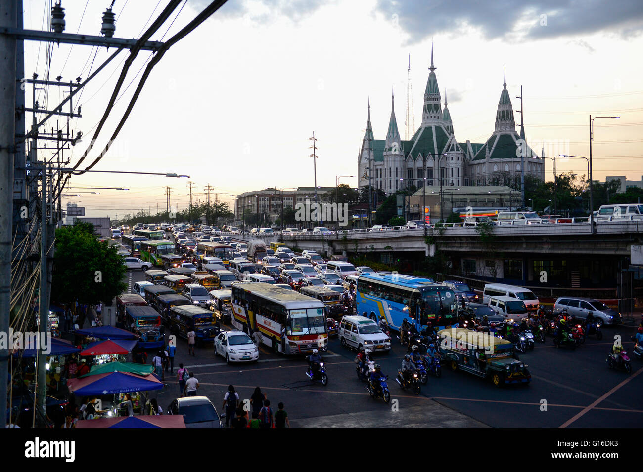 PHILIPPINES, Manila, heavy traffic in Quezon City during rush hour, Iglesia Ni Cristo, INC Central Temple / PHILIPPINEN, - Stock Image