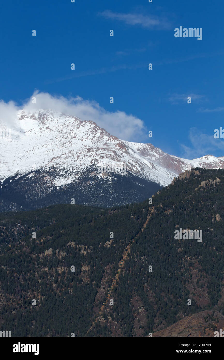 The Manitou Incline with Pikes Peak in the background - Stock Image