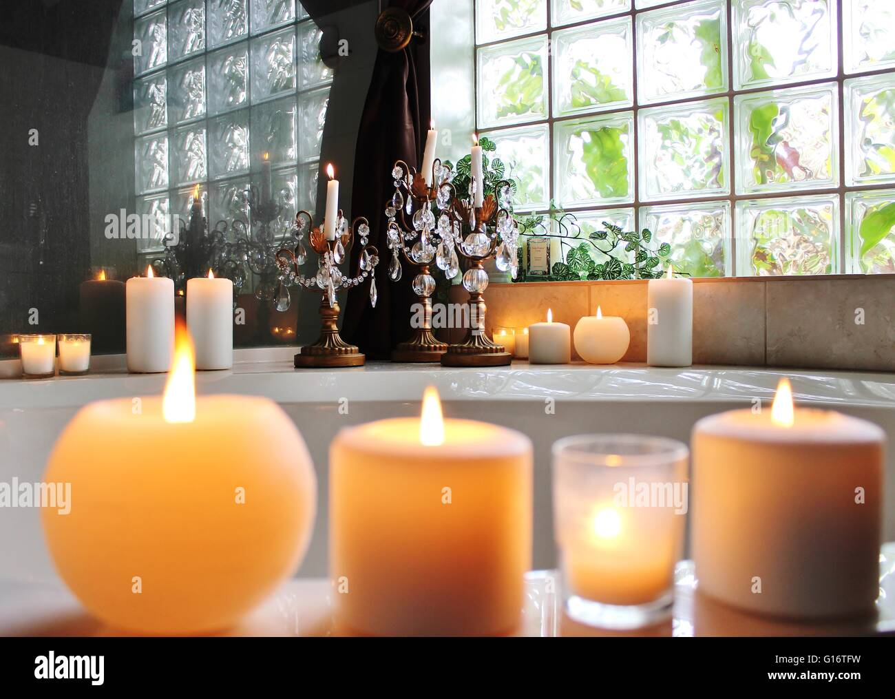 candles on the bathtub stock photo 104027837 alamy rh alamy com