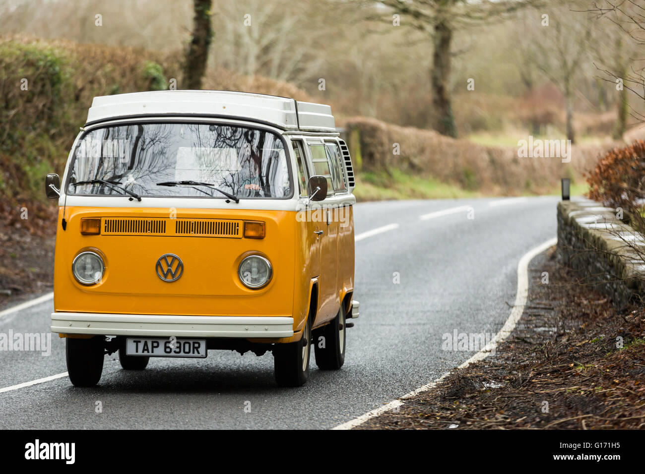 Yellow Vw Campervan High Resolution Stock Photography And Images Alamy