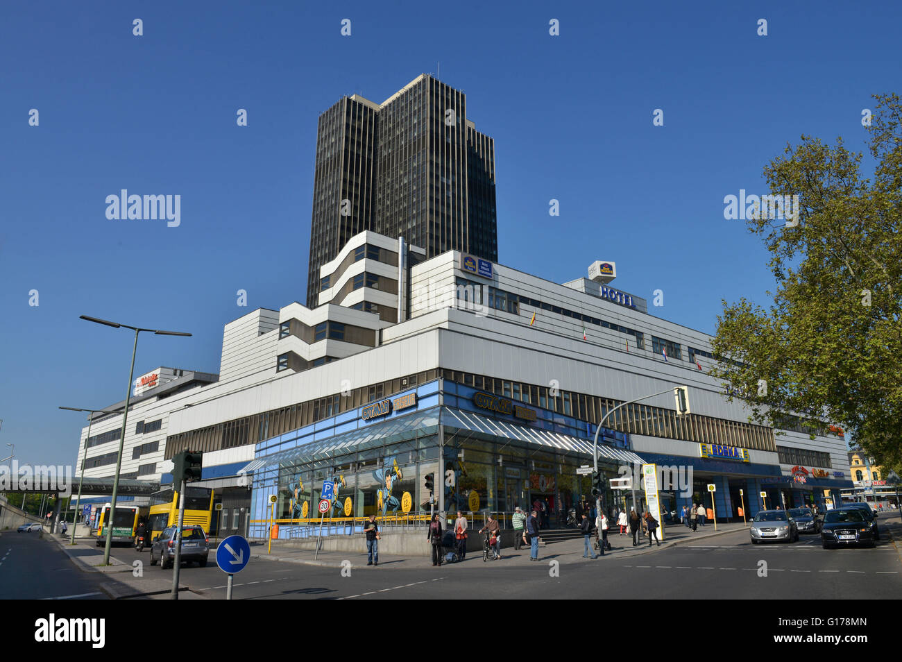 Hochhaus Steglitzer Kreisel, Schlossstrasse, Steglitz, Berlin, Deutschland - Stock Image
