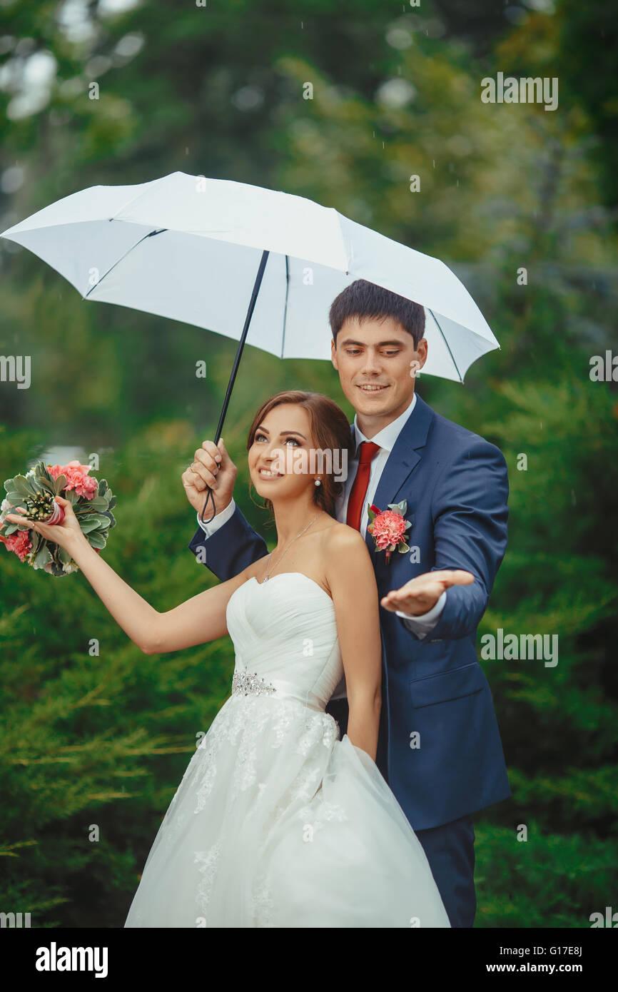 "Wedding Walking BRIDE 106Cm// 42/"" Classic umbrella with wooden grip Automatic"