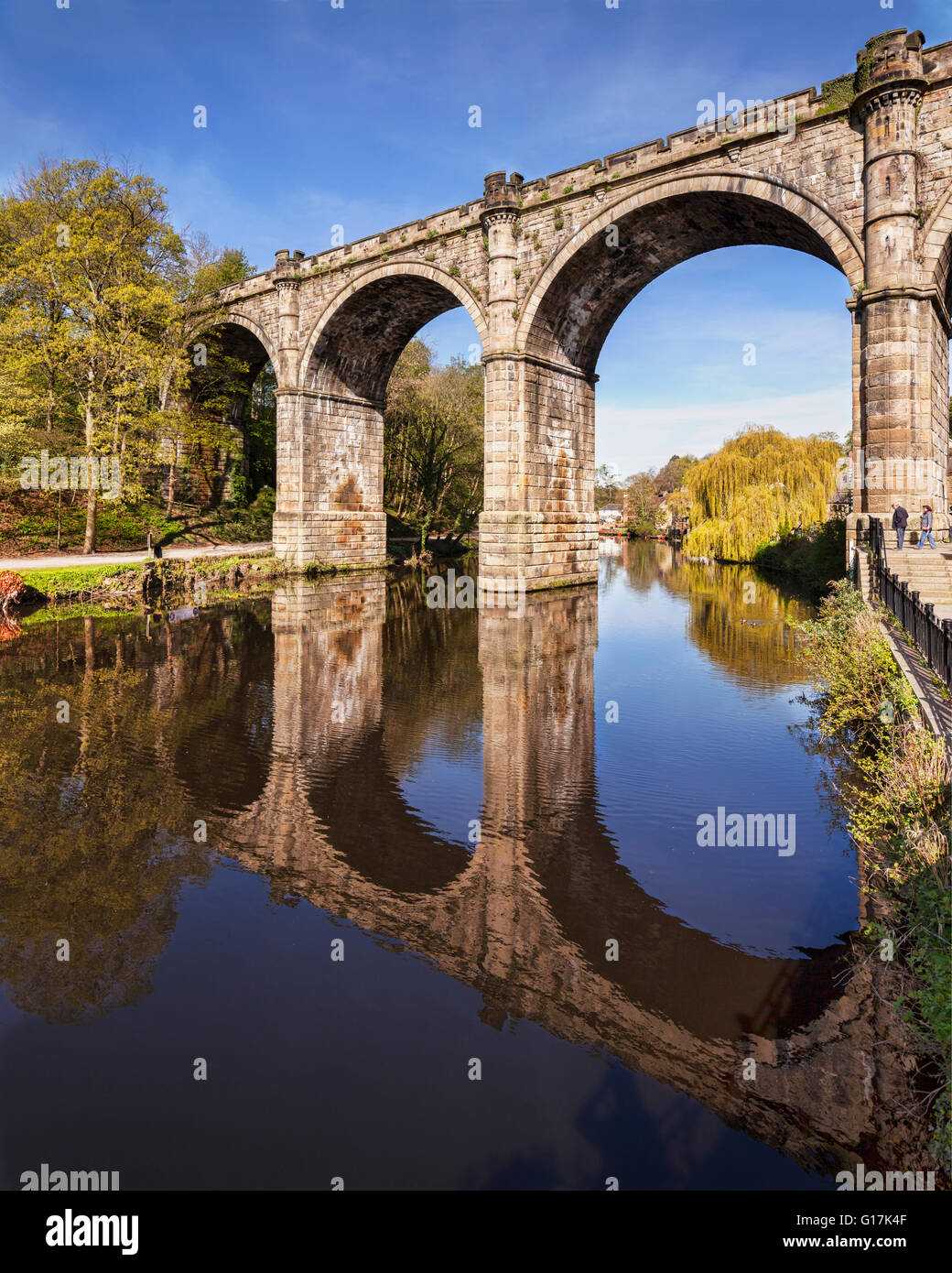 Knareborough Viaduct and the River Nidd, Knaresborough, North Yorkshire, England, UK - Stock Image